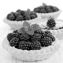 blackberry pastry